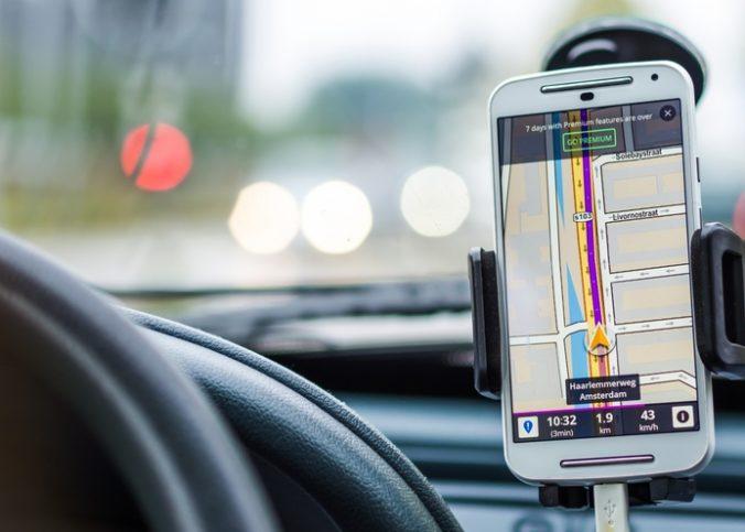 un-systeme-de-navigation-par-satellite-sur-smartphone