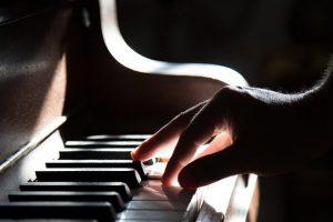 Qu'est-ce qu'un piano hybride ?